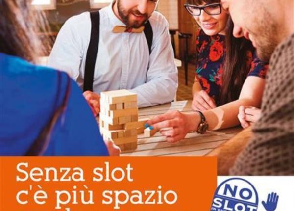 SENZA SLOT manifesto